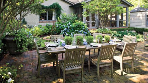 Outdoor dining - patio with natural outdoor dining set